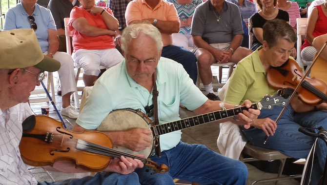 Mid-Day Mountain Music – Friday Bluegrass Jam
